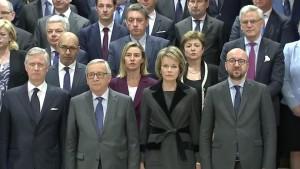 Schweigeminute für die Opfer von Brüssel
