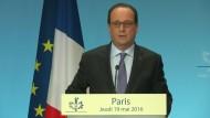 Präsident Hollande gibt Egypt-Air-Maschine verloren