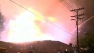 Großfeuer mit Explosionen in Kalifornien