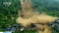 Erdrutsch in China reißt Häuser mit
