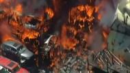 Großbrand auf Schrottplatz nahe Sydney