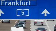 Die Wiebadener Richter haben entschiedern: Ab kommendem Jahr gelten Fahrverbote in Frankfurt. Besteht noch eine Chance, das zu verhindern?