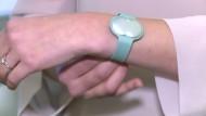 Armband soll zur Schwangerschaft verhelfen