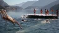 Kurioses Winterschwimmen in Norditalien