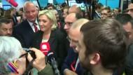Le Pens Leute wollen es nicht gewesen sein