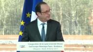 Polizist schießt versehentlich während Hollande-Rede