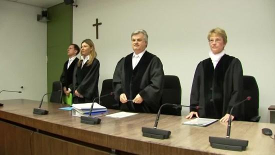"""Mehrjährige Haftstrafen für """"Oldschool Society"""""""