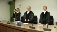 Mehrjährige Haftstrafen für Oldschool Society