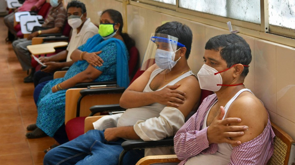 Frisch Geimpfte am 7. Mai in Bangalore