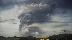 Ganz St. Vincent nach Vulkanausbruch ohne sauberes Wasser