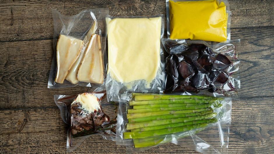 Genuss aus der Kiste: Fast fertige und für den Transport vakuumierte Gerichte müssen daheim nur noch warm gemacht werden.
