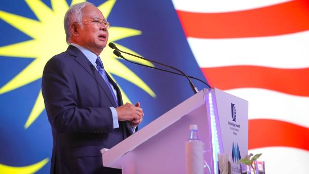 Malaysias ehemaliger Premier zu zwölf Jahren Haft verurteilt