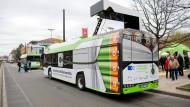 Bald auch in Wiesbaden: Die Stadt Hannover setzt bereits Elektrobusse im Nahverkehr ein.