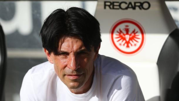 Eintracht verlängert mit Bruno Hübner