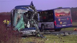 Zwölf Schwerverletzte bei Busunfall