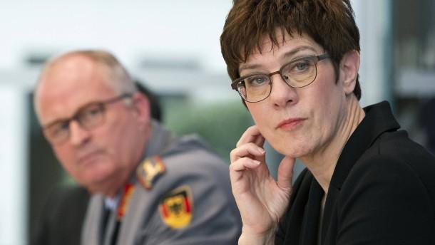 """Generalinspekteur Zorn hat Fehler gemacht"""