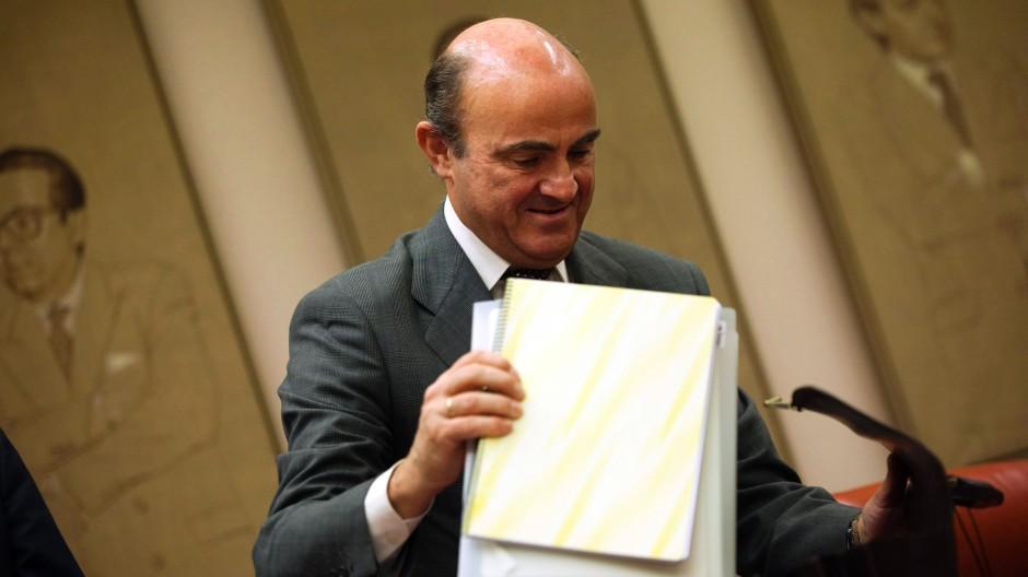 Reisediplomatie: der spanische Wirtschaftsminister Luis de Guindos