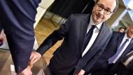 Hollande ruft zur Wahl von Macron auf
