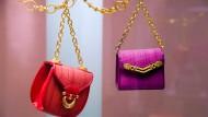 Erinnerungen: Die Blütezeiten der Offenbacher Lederwarenindustrie sind längst vorüber. Viele Firmen verschwanden in den vergangenen Jahrzehnten. Comtesse-Handtaschen sind weiterhin gefragt. Das Unternehmen sitzt in Obertshausen. Auch internationale Königshäuser wissen seine Produkte zu schätzen.