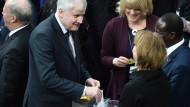 Seehofer: Fairnessabkommen zwischen Schulz und Merkel