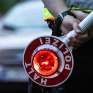 In einer Polizeikontrolle hat ein Fahrer in Coesfeld plötzlich Gas gegeben (Symbolbild).