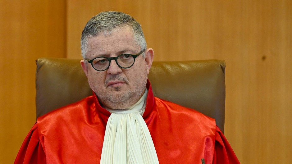 """""""Die Bundesbank ist an unsere Entscheidung gebunden, aber sie muss in eigener Verantwortung feststellen, ob die Begründung der EZB unsere Vorgaben erfüllt oder nicht"""", sagt Verfassungsrichter Peter Huber"""