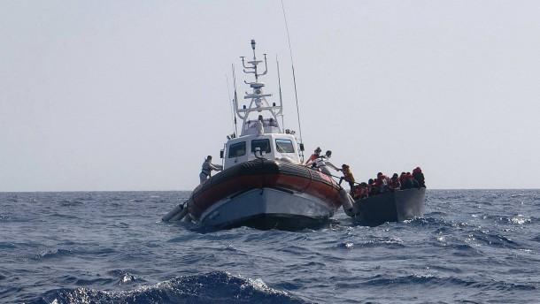 Migrantenboot driftet zehn Tage ohne Wasser und Essen