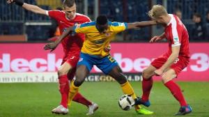Braunschweig gewinnt nach Last-Minute-Treffer