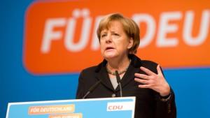 Merkel will Flüchtlingszahlen verringern