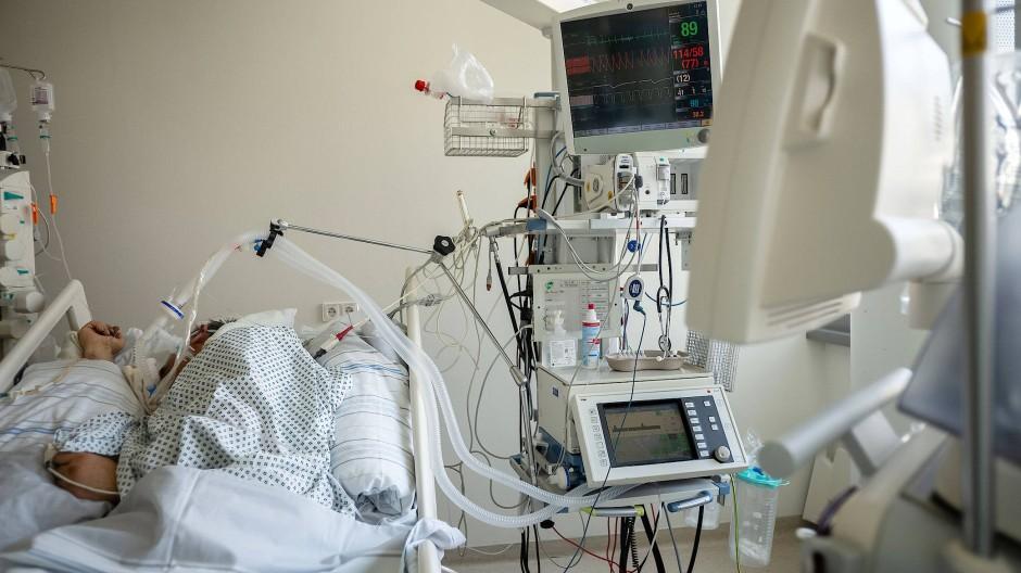 Wenn das Leben an einer Maschine hängt: Die Vorstellung, wegen einer Corona-Infektion beatmet werden zu müssen, macht vielen Menschen Angst.
