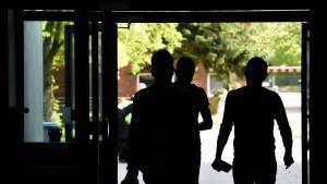 Mehr Asylbewerber in europäische Staaten gebracht als umgekehrt