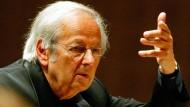 Zeitlebens in vielen Rollen zuhause, hier als Dirigent des Philharmonischen Orchesters aus Oslo: André Previn in Luzern, am 1. September 2004.