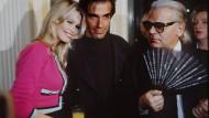 Karl Lagerfeld auf einem Archivbild neben David Copperfield und Claudia Schiffer