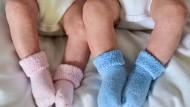 """""""Das biologisch beste Alter, um Kinder zu zeugen, ist zwischen Anfang zwanzig und Anfang dreißig"""", sagt Dr. Melina Schuh."""