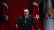Der türkische Präsident Recep Tayyip Erdogan, hier bei einer Rede in der Zentrale der Regierungspartei AKP