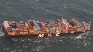 Frachter verliert Container in Nordsee – Kleidung und Möbel angespült
