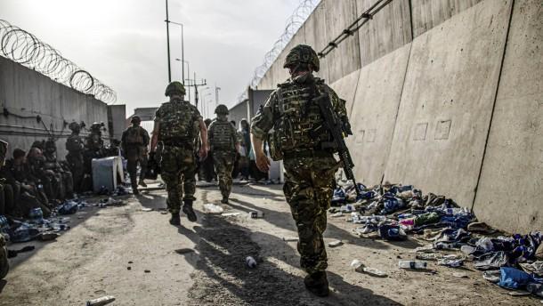 Sichert Amerika auch nach Monatsende den Flughafen Kabul?