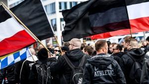 Verfassungsschutz warnt vor rechtem Terror