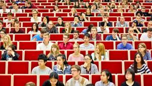 Immer mehr minderjährige Studenten