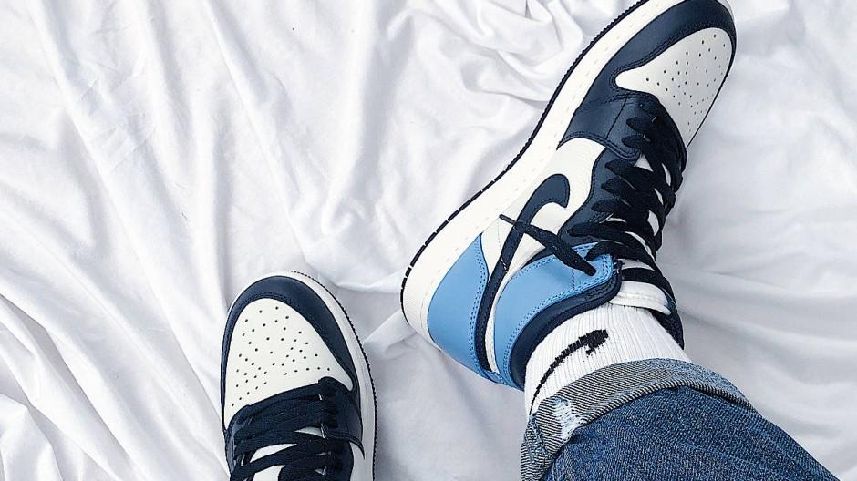 "Nike Air Jordan 1 ""Obsidian"" am Fuß unserer Autorin"