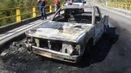 Mindestens 15 Tote bei Angriff auf Polizeikonvoi