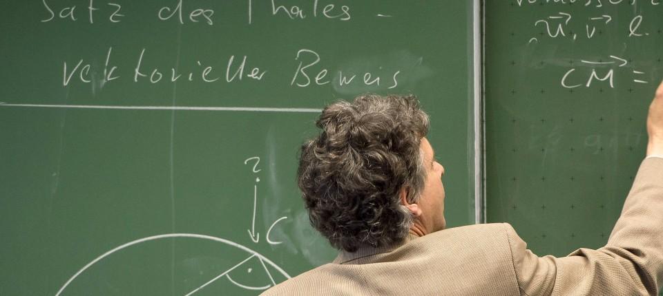 Kritik An Schulämtern Wegen Befristeter Lehrer Verträge