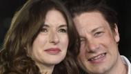 Der britische Starkoch Jamie Oliver und seine Frau Jools bei einer Filmpremiere