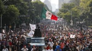 Mexikaner erinnern an das Verschwinden von 43 Studenten