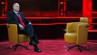 Plötzlich übrig geblieben: Peer Steinbrück, hier im Studio von Günther Jauchs Talkshow, sucht sich ein Wahlkampfteam