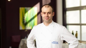 Andreas Krolik aus Frankfurt ist Koch des Jahres im Gault Millau