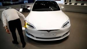 Tesla feuert Hunderte Mitarbeiter in einer Woche