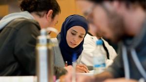 Immer mehr Migranten mit Hochschulabschluss