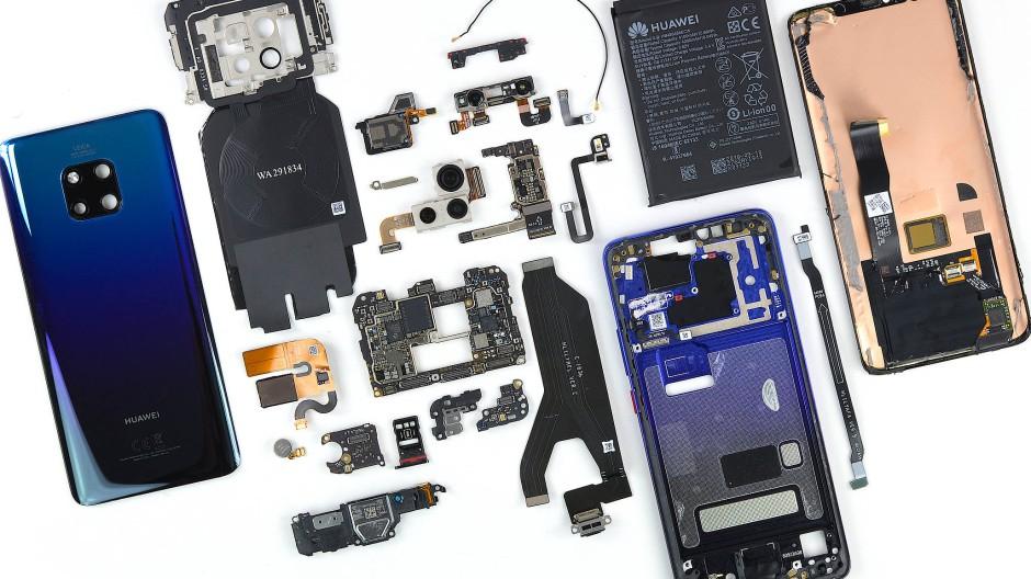 Ein Huawei-Handy auf dem OP-Tisch von iFixit