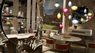 Holz, Stahl, kantiges Design: Bei der Möbelmesse IMM Cologne waren viele klassische Materialien und Formen zu sehen – modern interpretiert.